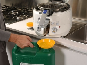 Ecohouse light - posodica za zbiranje odpadnega jedilnega olja